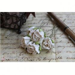 Полуоткрытый бутон розы, белый, 2*2см, 1 шт.