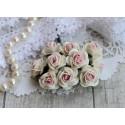 Роза Мальбери, цвет белый с нежно-розовой серединкой, 20мм, 1 цветок