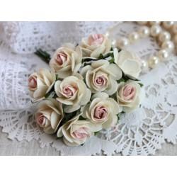 Роза Мальбери, цвет белый с нежно-розовой серединкой, 25мм, 1 цветок