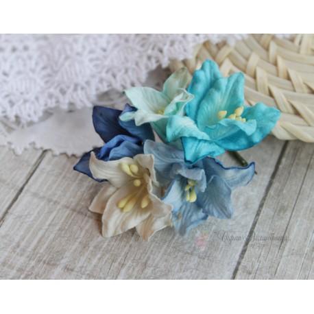 Букетик лилий, оттенки синего, 5см, 5 цветочков разных цветов