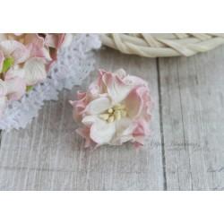 Гардении кудрявые, цвет сливочный с нежно-розовой окантовкой, 35мм, 1 цветок