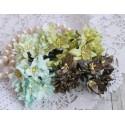 Букетик лилий, зеленые тона, 3см, 4 цветочка разных цветов