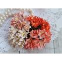 Букетик лилий, оранжевые тона, 3см, 4 цветочка разных цветов