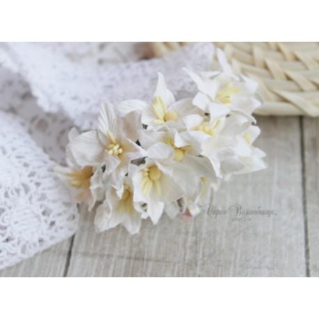 Лилия, цвет белый, 3см, 1 цветок