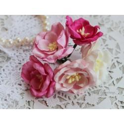 Букетик магнолий, цвет розовый микс, 40мм, 5 цветочков разных цветов