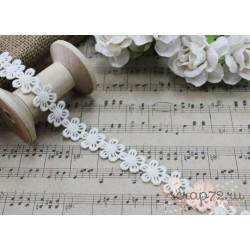 Тесьма кружевная Цветочки, хлопок, 1.5 см, цвет молочный, 1 м