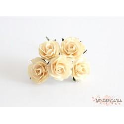 Роза крупная, цвет молочный, 4 см, 1цветок
