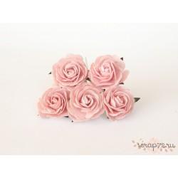 Роза крупная, цвет розовоперсиковый светлый, 4 см, 1цветок