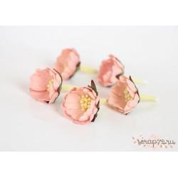 Цветок шиповника, цвет Розовоперсиковый светлый,  2см, 1 цветок