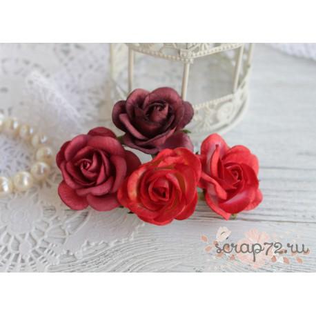 Букетик розочек Шпалера, оттенки красного, 4цветка