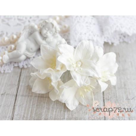 Лилия, цвет белый, 5см, 1шт.