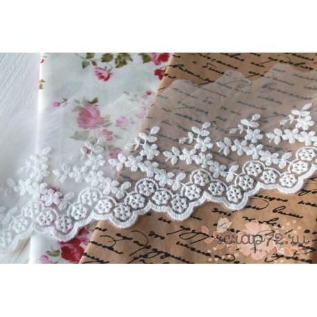Кружево декоративное на сетке, 9 см, цвет белый, 90см
