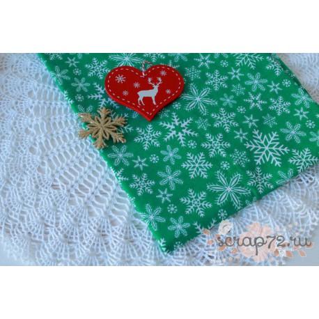 Хлопок Снежинки на зеленом фоне, 135 g/m2, 40*50см