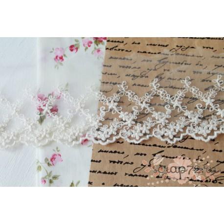 Кружево декоративное на сетке, 8 см, цвет белый, 1м