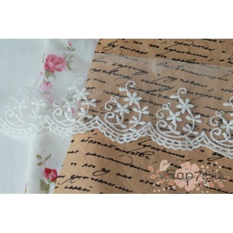 Кружево декоративное на сетке, 7 см, цвет белый, 90см
