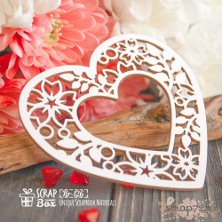 Чипборд Рамка в форме сердца с цветами Hr-126, 81 x 74 мм