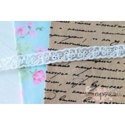 Кружево декоративное на сетке, 1 см, цвет белый, 90 см.