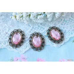 Брошь овальная с розовым камнем в винтажном обрамлении, 3*2.5см, 1шт.