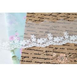 Кружево декоративное на сетке, 6 см, цвет белый, 90 см.