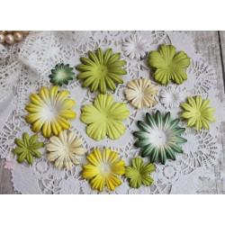 Набор цветочков, зеленые тона, от 5см до 2см, 14шт.