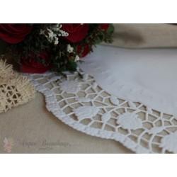 Салфетка ажурная с розами, цвет белый, 28см