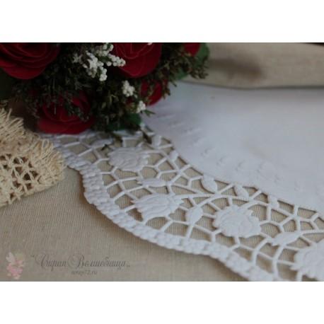 Салфетка ажурная с розами, цвет белый, 30см