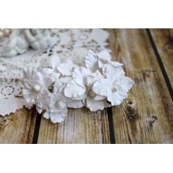 Орхидея, цвет белый, 4 см, 1шт.