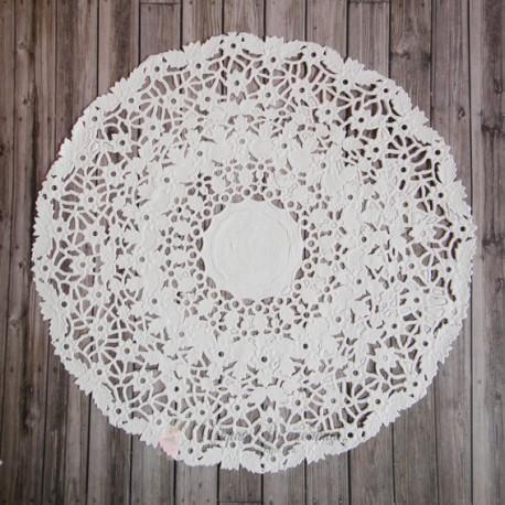 Салфетка ажурная с цветочками, цвет белый, 24см