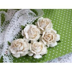 Чайная роза, цвет белый, 4см, 1шт
