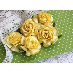 Чайная роза, цвет желтый, 4см, 1цветочек