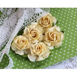 Чайная роза, цвет кремово-желтый, 4см, 1цветок