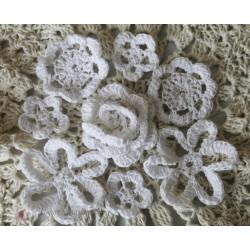 Набор вязанных цветочков,цвет белый,25 мм,35мм,40мм,45мм, 8шт.