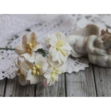 Цветок яблони, цвет белый, 2см, 1 цветочек
